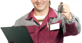 autoverkoper met stappenplan/checklist