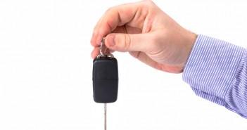 autosleutels - rijden met goedkope autoverzekering jongeren